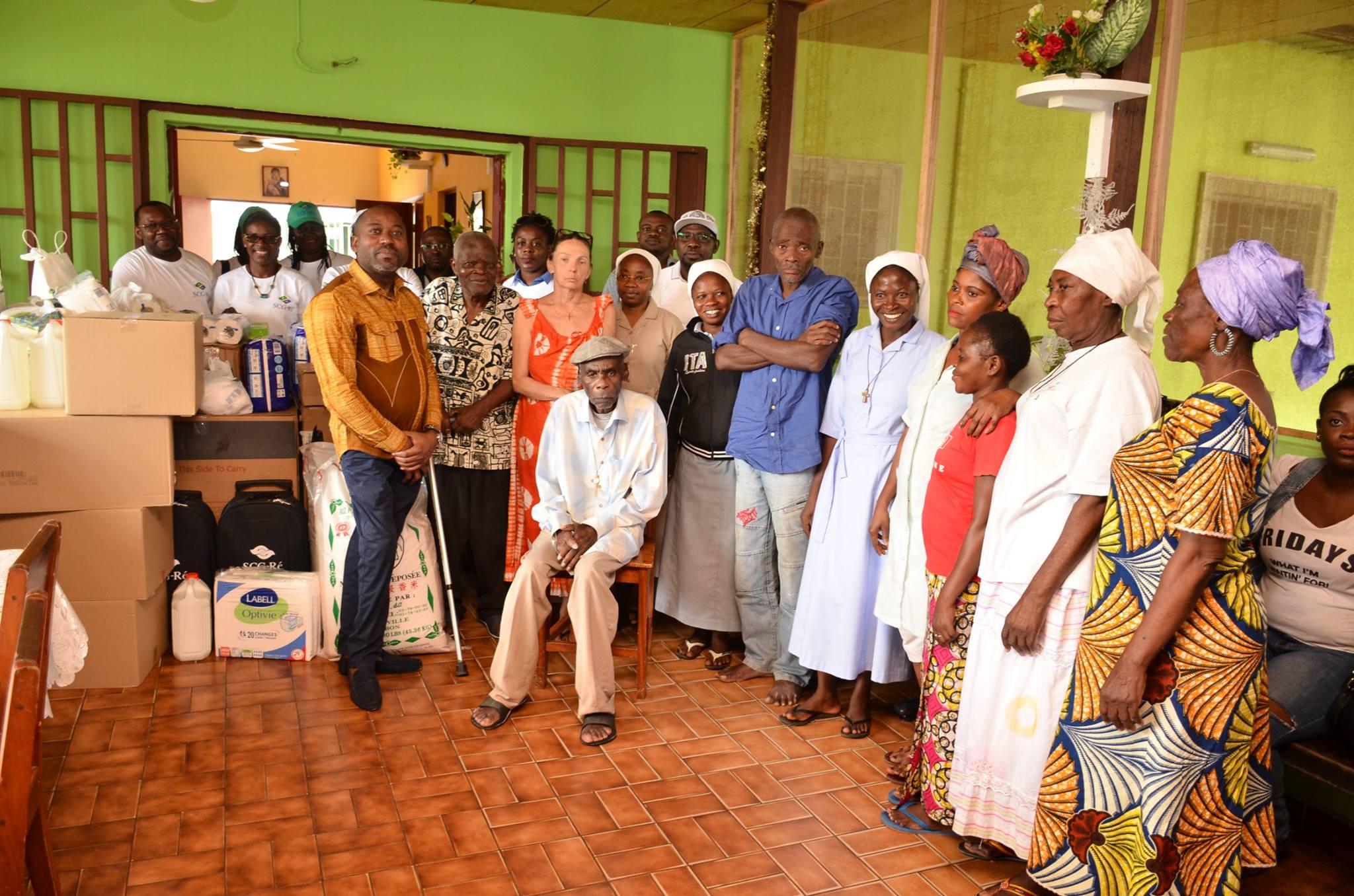 Noël avec les personnes âgées de la Fraternité Saint Jean
